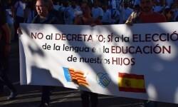 Por la libertad de enseñanza manifestación en Valencia de educación concertada con la supresión de conciertos 20170506_172849 (406)