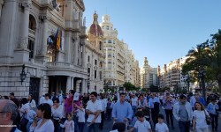 Por la libertad de enseñanza manifestación en Valencia de educación concertada con la supresión de conciertos 20170506_172849 (87)