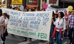 Por la libertad de enseñanza manifestación en Valencia de educación concertada con la supresión de conciertos 20170506_172849 (95)