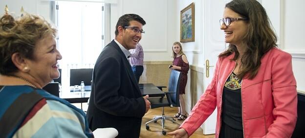 Rodríguez se reúne con Mónica Oltra. (Foto-Abulaila).