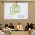 Salvador destaca el 'importante papel' de los ayuntamientos en el 'desarrollo y la consolidación' de la Ley por la Función Social de la Vivienda.