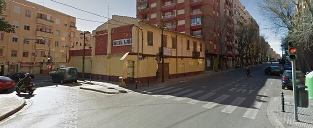 Tapón urbanístico enla. Avenida Burjassot 81.