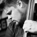 Un cuarteto de lujo, que cuenta con el saxofonista Logan Richardson, para el debut de esta nueva figura del jazz apadrinada por Ron Carter.