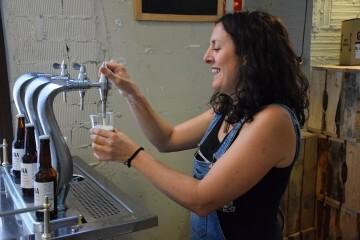 """Bierwinkel organitza amb els cerveceros valencians en tapineria """"Beer & clóchina's party"""" (105) (Small)"""