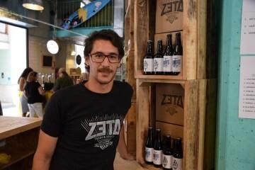 """Bierwinkel organitza amb els cerveceros valencians en tapineria """"Beer & clóchina's party"""" (116) (Small)"""