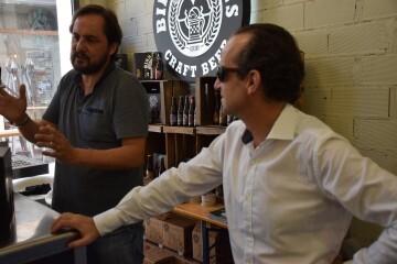 """Bierwinkel organitza amb els cerveceros valencians en tapineria """"Beer & clóchina's party"""" (133) (Small)"""