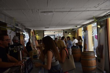 """Bierwinkel organitza amb els cerveceros valencians en tapineria """"Beer & clóchina's party"""" (137) (Small)"""