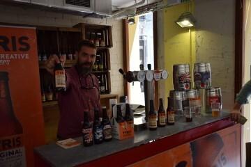 """Bierwinkel organitza amb els cerveceros valencians en tapineria """"Beer & clóchina's party"""" (149) (Small)"""