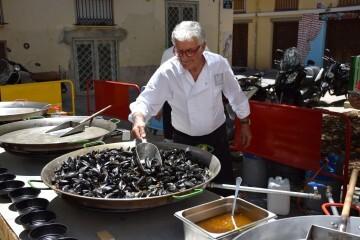 """Bierwinkel organitza amb els cerveceros valencians en tapineria """"Beer & clóchina's party"""" (160) (Small)"""