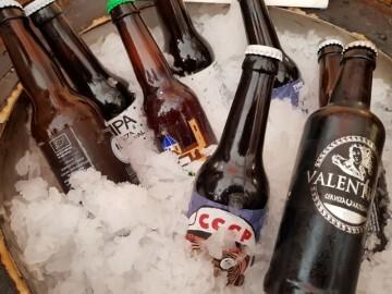 """Bierwinkel organitza amb els cerveceros valencians en tapineria """"Beer & clóchina's party"""" (46) (Small)"""