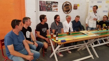"""Bierwinkel organitza amb els cerveceros valencians en tapineria """"Beer & clóchina's party"""" (49) (Small)"""
