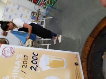 """Bierwinkel organitza amb els cerveceros valencians en tapineria """"Beer & clóchina's party"""" (61) (Small)"""