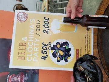 """Bierwinkel organitza amb els cerveceros valencians en tapineria """"Beer & clóchina's party"""" (64) (Small)"""