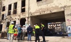 El Ayuntamiento empieza las obras para demoler dos tercios de la edificación que todavía queda de la fábrica cervecera que estaba en el a calle Sant Vicent.