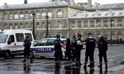 El agresor del policía en la explanada de Notre Dame era miembro del Estado Islámico.