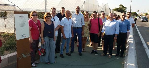 El diputado Pablo Seguí en la inauguración del carril ciclopeatonal entre el Mareny de Barraquetes y Les Palmeres.