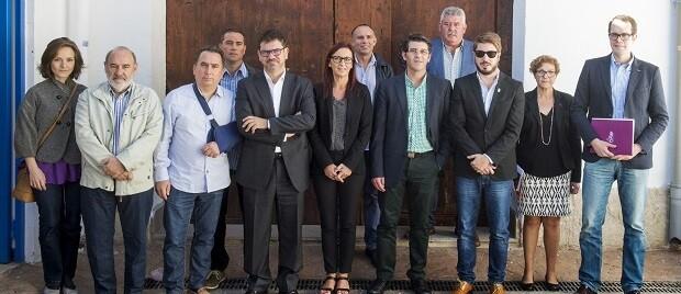 El presidente y la vicepresidenta de la Diputación de Valencia, Jorge Rodríguez y Mª Josep Amigó, con alcaldes de la comarca.
