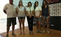 El rugby playa abre la temporada de deporte en la arena de Valencia.