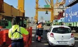 Estibadores en el puerto de Valencia. (Foto-UGT).