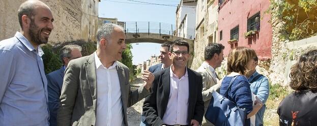 Jorge Rodríguez, el diputado Pablo Seguí y el alcalde de Manuel, Josep Antoni Pastor.