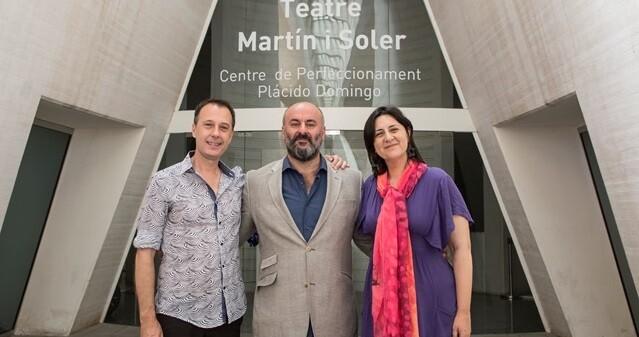 Josep Policarpo, Davide Livermore y la diputada Rosa Pérez Garijo.