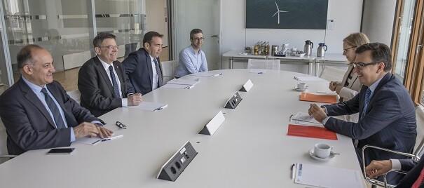 La Generalitat estudiará nuevas fórmulas de financiación de proyectos de empresas del sector agrario.