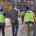 La Policía Nacional detiene a una persona en Madrid por enaltecimiento del terrorismo yihadista.