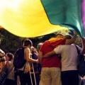Lambda pide a la ciudadanía valenciana que salga a la calle a defender los derechos de las personas LGTB de todo el mundo.