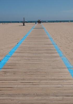 Movilidad Sostenivle hace más accesible la playa de la Malvarrosa.