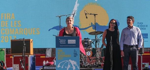 Pilar Moncho destaca la conexión entre empresas turísticas y público en la Fira de les Comarques.