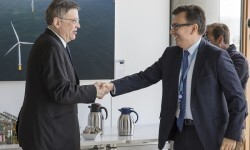 Puig traslada al BEI que la Generalitat reformulará el programa de colegios con el fin de que las infaestructuras pendientes estén finalizadas en 2018.