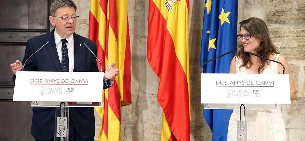 Puig y Oltra en sus intervenciones de ayer.