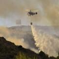Se mantiene activo el incendio en Sierra Calderona que ya ha quemado casi 1.000 hectáreas.