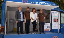 Valencia estrena un Punto Móvilde Información Turística (8)