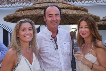 inauguran en el Puig el nuevo Beach club Cattaleya mar (64)