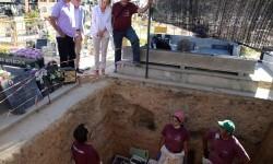 Bravo asegura que la Generalitat asumirá el coste de exhumación e identificación de las víctimas del franquismo con la Ley de Memoria Democrática.