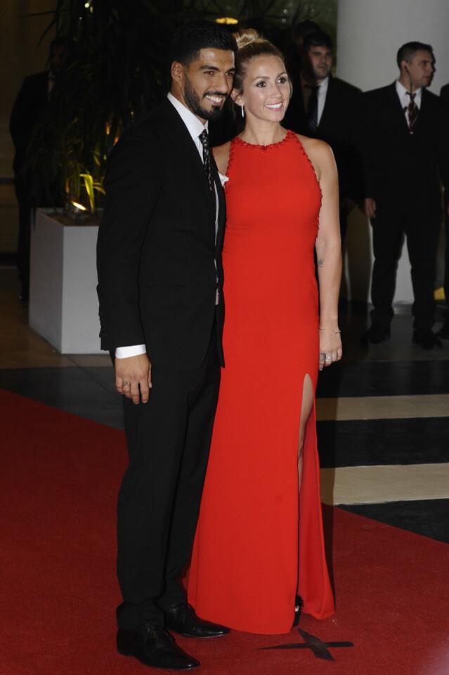Casamiento-boda-Messi-alfombra-roja-Luis-Suarez-3