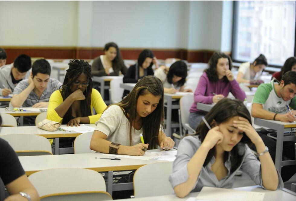 Educación convoca las becas de excelencia para los alumnos universitarios