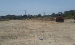 El Ayuntamiento inicia la limpieza de un solar del camino de Font d'en Corts y de las parcelas de las naves de Macosa.
