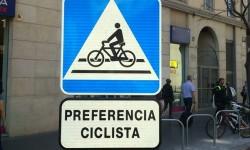 El Ministerio del Interior incluye en su próximo catálogo de señales las advertencias que València ha incorporado en el Anillo Ciclista.