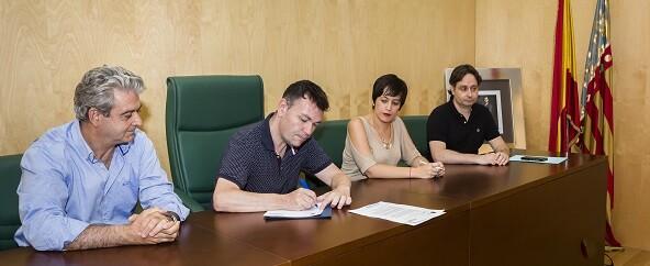 El convenio suscrito por las dos entidades se enmarca en el compromiso del gobierno municipal para reducir la pobreza hídrica