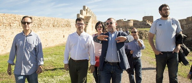 El diputado de Cooperación, Emili Altur, visita el municipio de Sagunto.