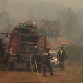 El dispositivo desplegado en el incendio de Gàtova se centra en refrescar y asegurar el perímetro
