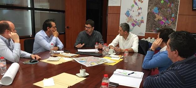 Emili Altur se reune con los alcaldes de Camp de Túria.
