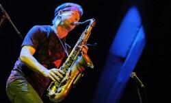 Espectacular jazz fussion del saxofonista Bill Evans y el guitarrista Dean Brown en el XXI Festival de Jazz.
