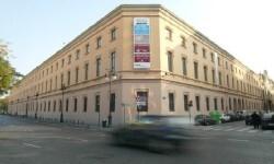 Exterior_del_Museo_de_Prehistoria