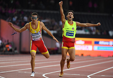 Gerard DESCARREGA PUIGDEVALL (ESP) wins gold in the 400m T11 at the 2017 IPC Para Athletics World Championships in London