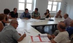 Grezzi se reúne con los vecinos de Banimàmet para analizar el avance de las obras del Parque Lineal.