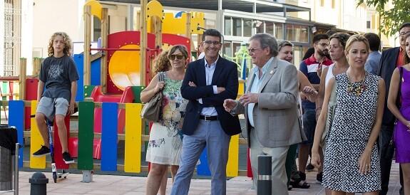 Jorge Rodríguez con el alcalde de El Perelló, Andrés Fernández.