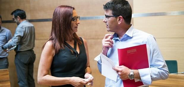 Jorge Rodríguez y la vicepresidenta Mª Josep Amigó, durante el pasado Pleno del mes de julio.